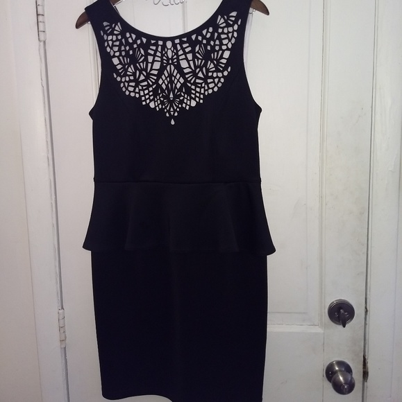 Spense Dresses & Skirts - BNWOT Black and White Cut-out Dress